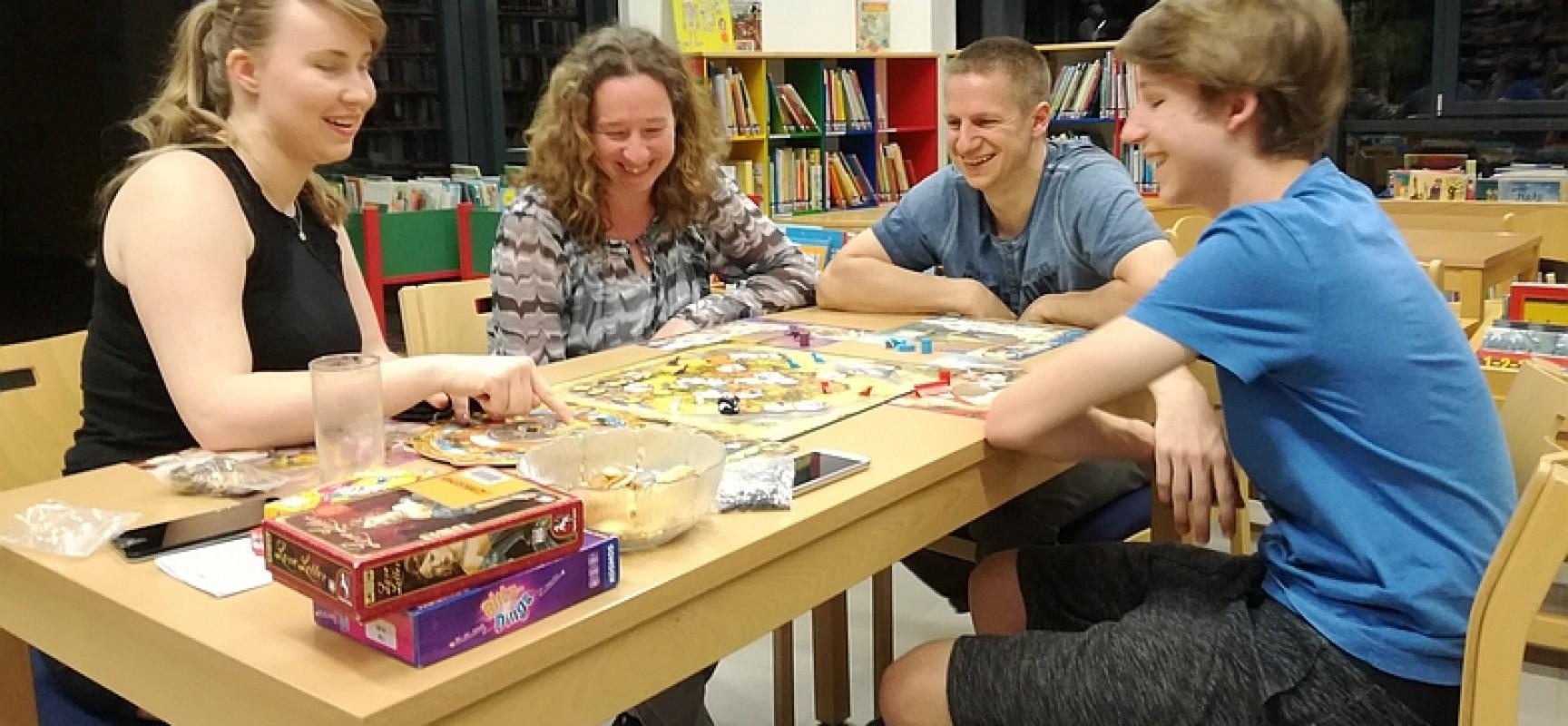 Spieleabend in der Bibliothek
