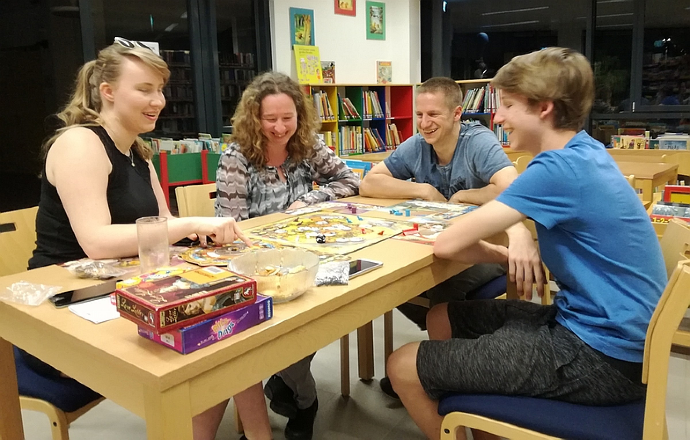 2018 – Spieleabend für Jugendliche und Erwachsene