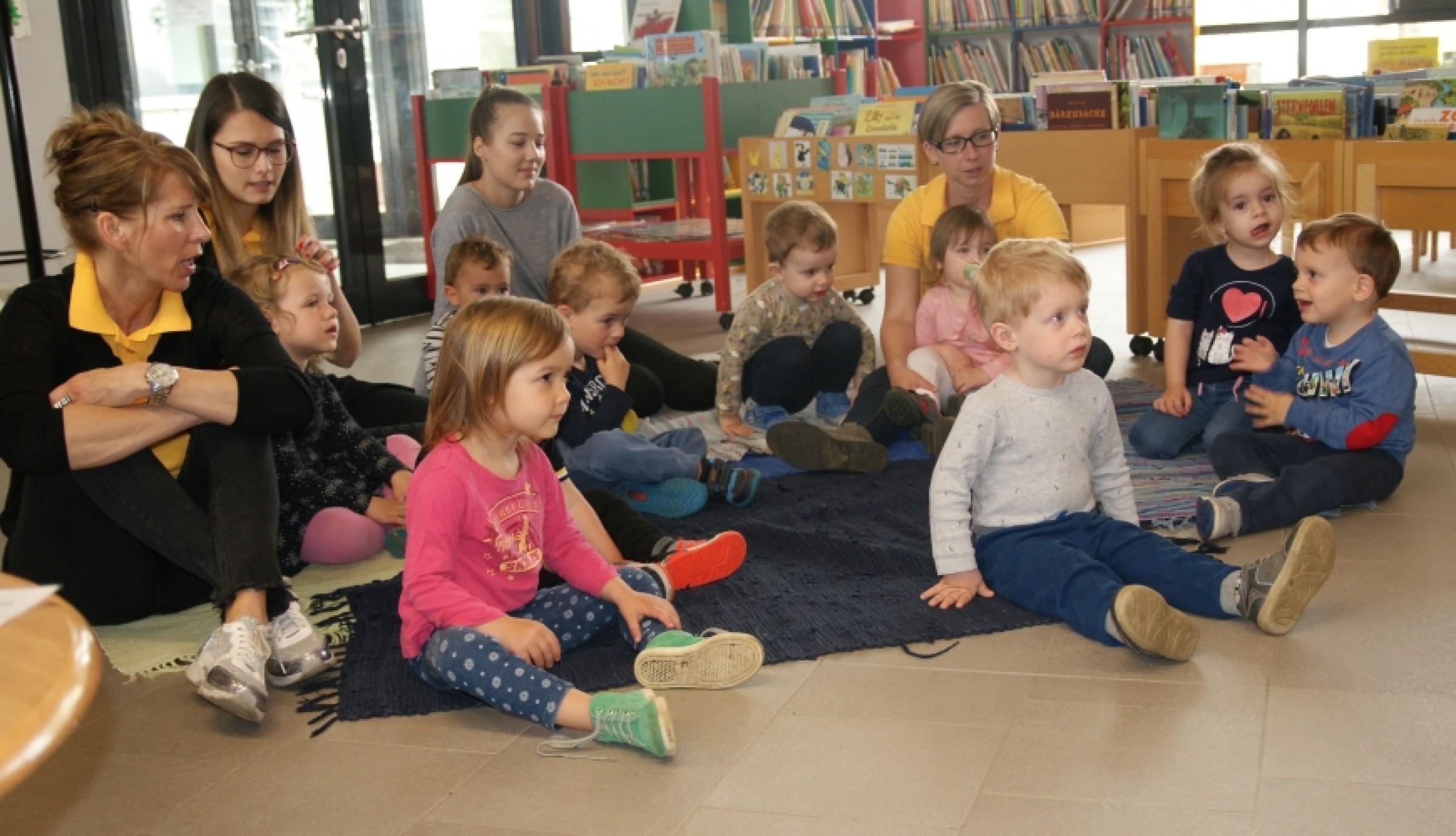 2018 – Kinderkrippenkinder und die Bibliothek